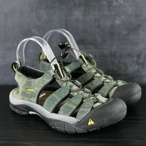 Woman's Keen Hiking Sandals Size 7